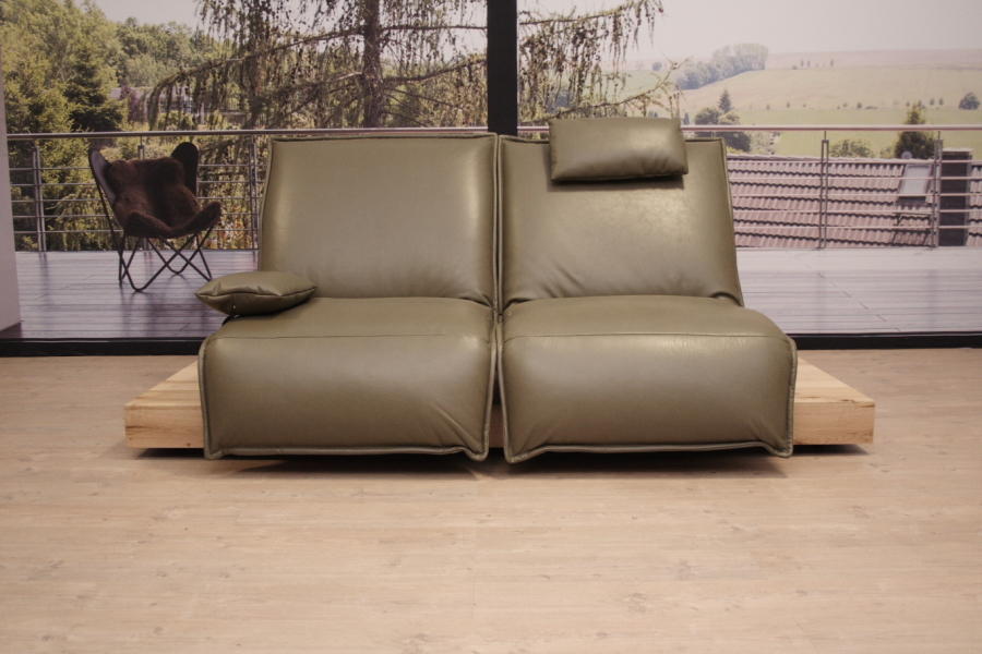 koinor modell epos 3 sofa c in leder b buffalo olive outlet. Black Bedroom Furniture Sets. Home Design Ideas