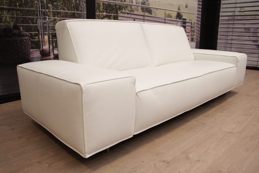 koinor modell mac sofa c in leder b jubi schnee outlet gera. Black Bedroom Furniture Sets. Home Design Ideas